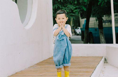 4月25日出生属牛男宝宝寓意好的名字 男孩高分名字_WWW.QQYA.COM