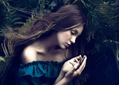 女人最好听的微信名两个字_WWW.QQYA.COM