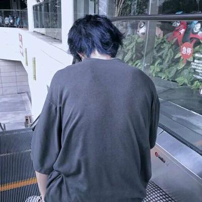 ins冷淡风格男头_WWW.QQYA.COM