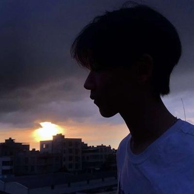 ins男头像简约干净_WWW.QQYA.COM