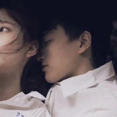 超甜的情侣头像一左一右配对_WWW.QQYA.COM