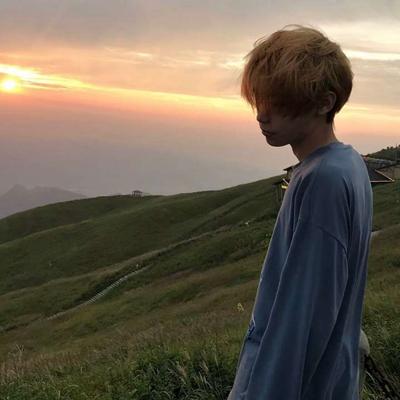 男生撩妹适合用的头像_WWW.QQYA.COM