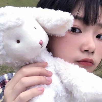 成熟且有深度的头像女生_WWW.QQYA.COM