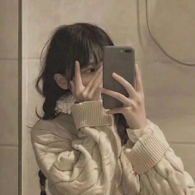 有点伤感的伤感头像女生冷淡_WWW.QQYA.COM
