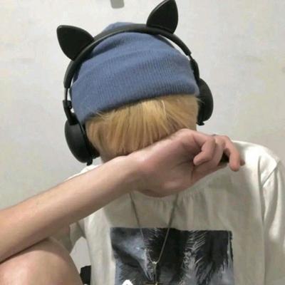 ins帅气真人男头像自拍_WWW.QQYA.COM