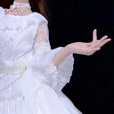 女生白裙子头像_WWW.QQYA.COM
