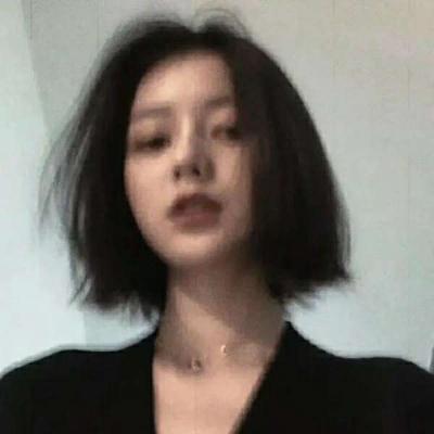 有点迷失自我的女生头像图片_WWW.QQYA.COM