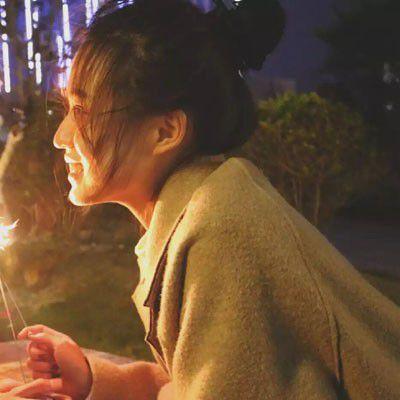 唯美情侣头像一左一右两张分开_WWW.QQYA.COM