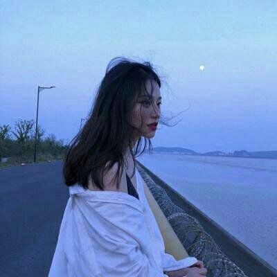 高清好看的个性美女图片头像_WWW.QQYA.COM