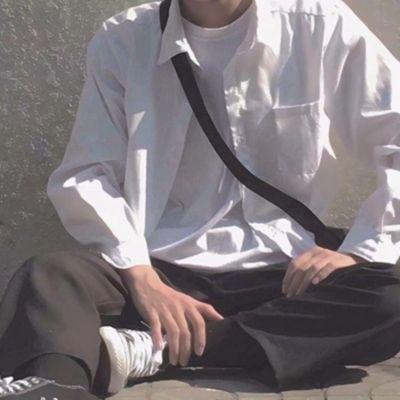 半身控男生白衬衫头像_WWW.QQYA.COM
