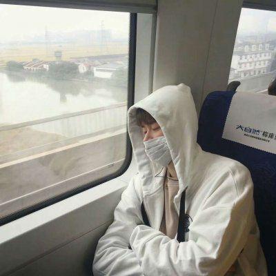 高富帅头像男生_WWW.QQYA.COM