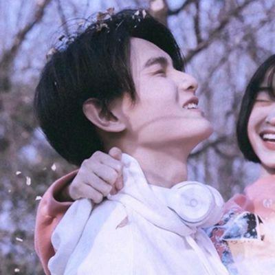 情侣头像图片两张分开_WWW.QQYA.COM