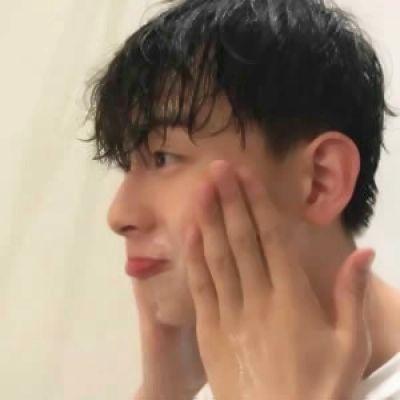 帅气好看的男生网图头像_WWW.QQYA.COM