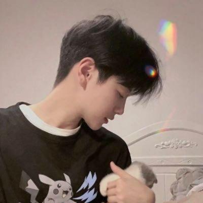 网红帅哥图片头像_WWW.QQYA.COM