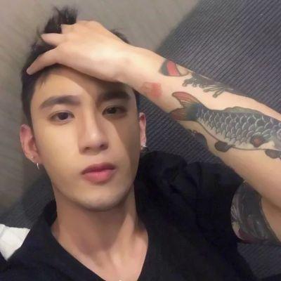 高清清新帅气16岁男孩照片头像_WWW.QQYA.COM