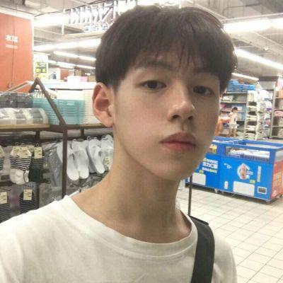 14男生照片要真实的头像_WWW.QQYA.COM