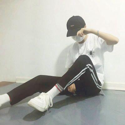 酷高冷霸道帅哥照片头像_WWW.QQYA.COM