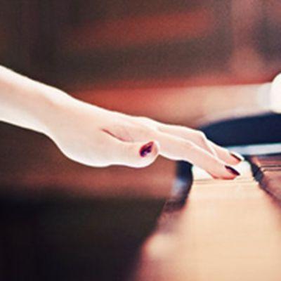 唯美手指个性头像_WWW.QQYA.COM