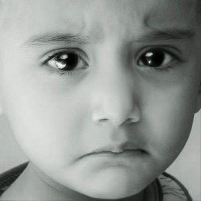 极度伤心绝望的图片头像_WWW.QQYA.COM