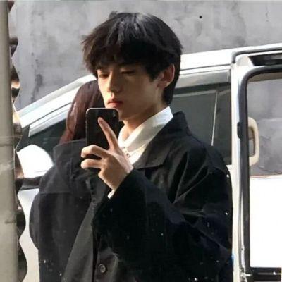14岁帅哥照片头像_WWW.QQYA.COM