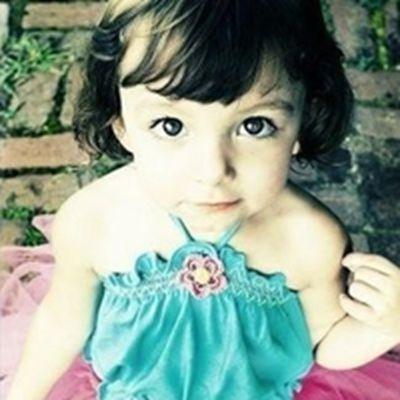 外国小女孩头像唯美图片_WWW.QQYA.COM