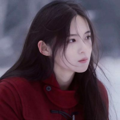 高清唯美的清爽气质头像女生图片_WWW.QQYA.COM