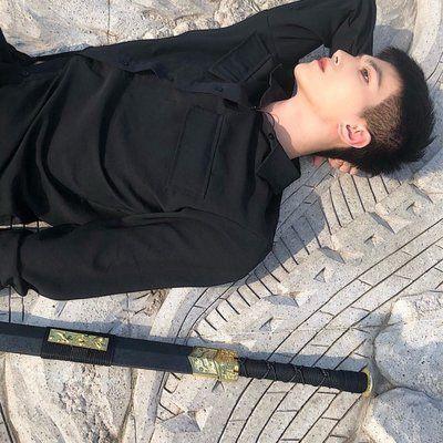 个性阳光头像男_WWW.QQYA.COM