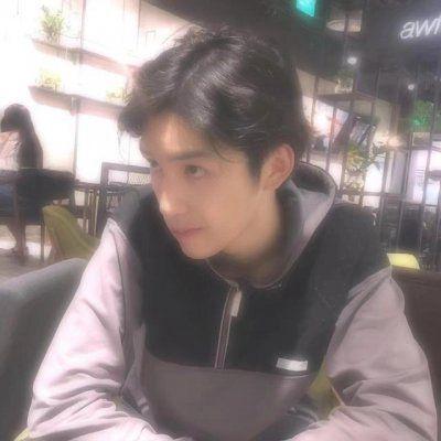 阳光帅哥图片头像高清_WWW.QQYA.COM