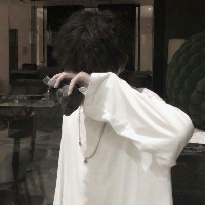 超酷头像男生霸气冷酷无情图片_WWW.QQYA.COM
