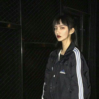 高冷头像女孩霸气十足_WWW.QQYA.COM
