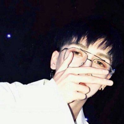 男生照片帅气生活照头像_WWW.QQYA.COM