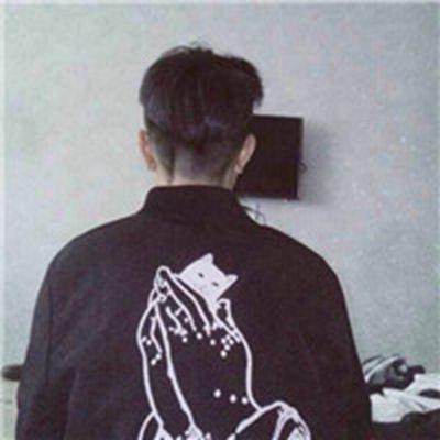 最新超酷男生背影头像_WWW.QQYA.COM