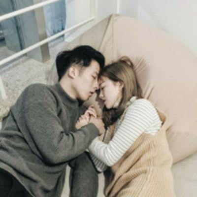 情侣两个人头像两张高清版_WWW.QQYA.COM