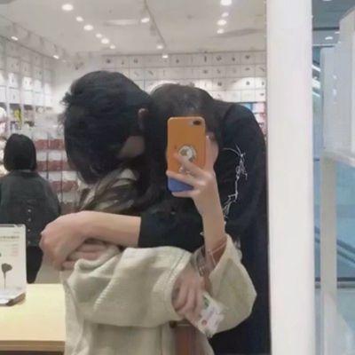 接吻情头真人两张_WWW.QQYA.COM