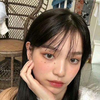素颜现实女生照片头像_WWW.QQYA.COM