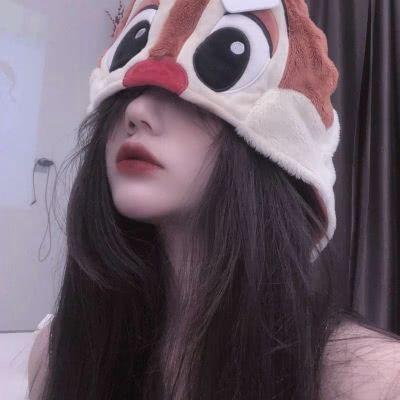 女生戴帽子超霸气头像_WWW.QQYA.COM