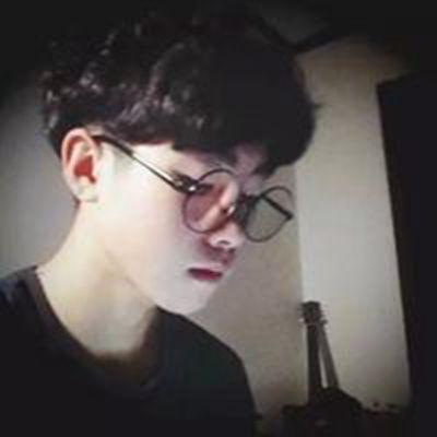 美男子微信头像_WWW.QQYA.COM