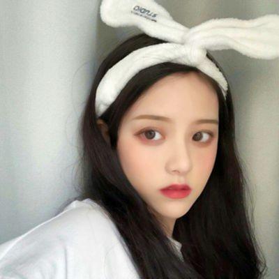 高清流行的2021年最潮最火女生头像图片_WWW.QQYA.COM