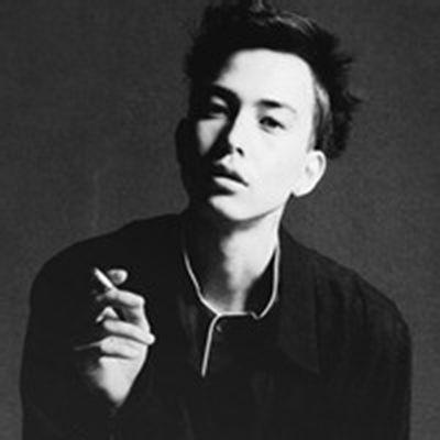 抽烟头像男生霸气十足_WWW.QQYA.COM