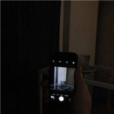 黑色背景个性头像简单微信头像_WWW.QQYA.COM