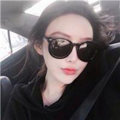 戴墨镜女生头像霸气范小清新_WWW.QQYA.COM