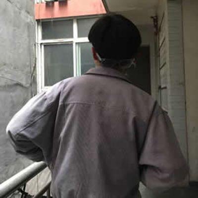 帅气冷酷男生背影头像_WWW.QQYA.COM
