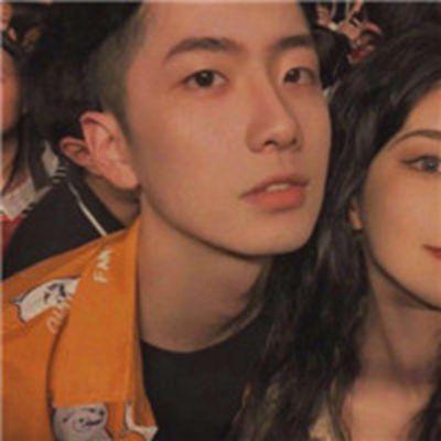 最甜情侣头像一人一半男女_WWW.QQYA.COM