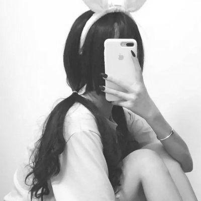 黑色头像女生霸气挡脸_WWW.QQYA.COM