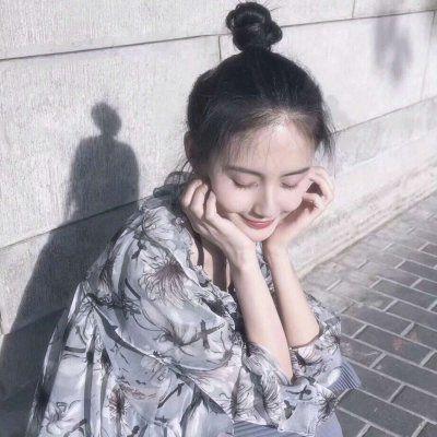 丸子头头像女_WWW.QQYA.COM