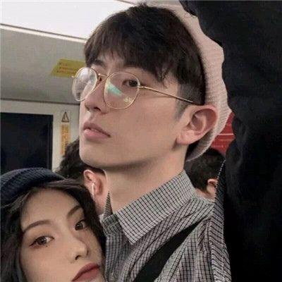 高清情侣一左一右两张图片头像_WWW.QQYA.COM