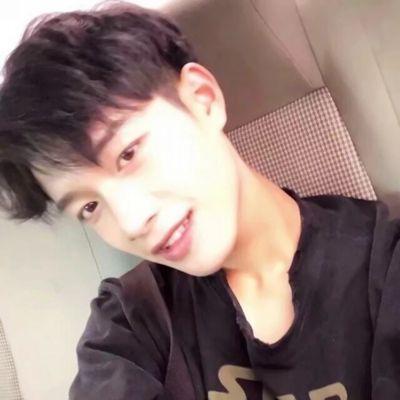 真实的高中男生帅气照片头像_WWW.QQYA.COM