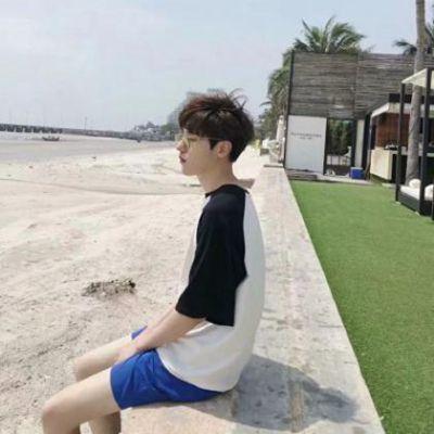 帅气正脸男生头像_WWW.QQYA.COM