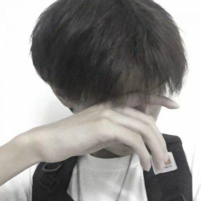 高清超酷的男照片帅气潮流头像_WWW.QQYA.COM