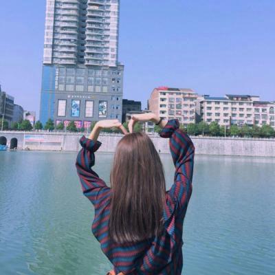 高清好看唯美女生背影头像图片_WWW.QQYA.COM